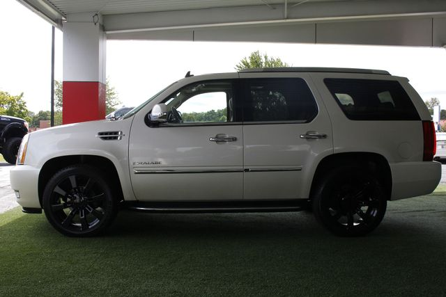 2012 Cadillac Escalade Luxury AWD - NAV - REAR DVD - SUNROOF! Mooresville , NC 17