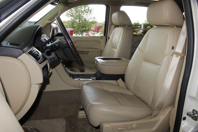 2012 Cadillac Escalade Luxury AWD - NAV - REAR DVD - SUNROOF! Mooresville , NC 9