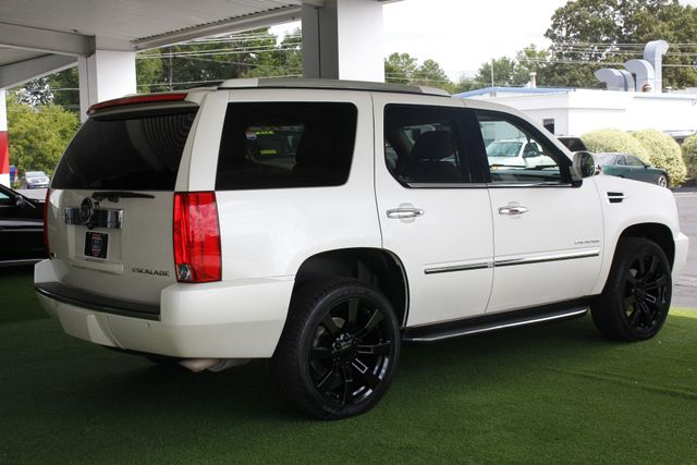 2012 Cadillac Escalade Luxury AWD - NAV - REAR DVD - SUNROOF! Mooresville , NC 25
