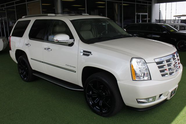 2012 Cadillac Escalade Luxury AWD - NAV - REAR DVD - SUNROOF! Mooresville , NC 23