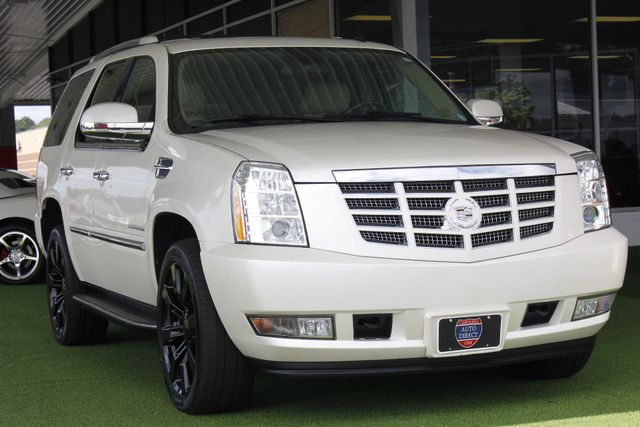 2012 Cadillac Escalade Luxury AWD - NAV - REAR DVD - SUNROOF! Mooresville , NC 27
