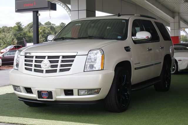 2012 Cadillac Escalade Luxury AWD - NAV - REAR DVD - SUNROOF! Mooresville , NC 28