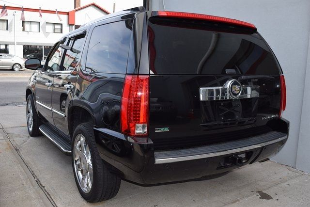 2012 Cadillac Escalade Luxury Richmond Hill, New York 3