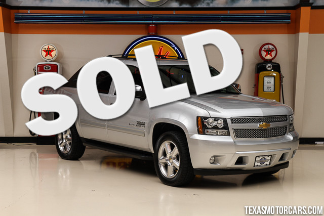 2012 Chevrolet Avalanche LS This Carfax 1-Owner accident-free 2012 Chevrolet Avalanche LS is in g