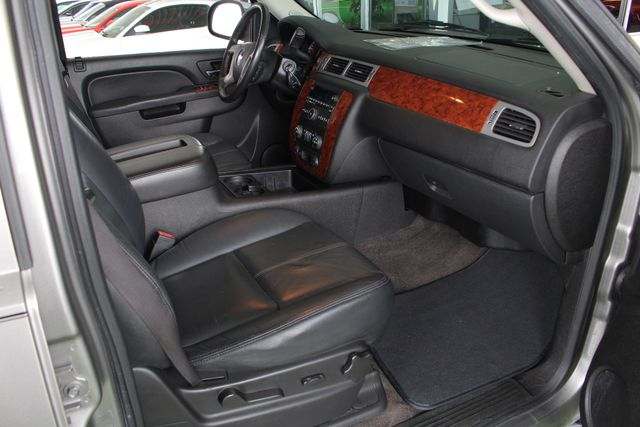 2012 Chevrolet Avalanche LS RWD - ALL STAR EDITION - LEATHER! Mooresville , NC 30