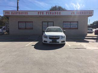 2012 Chevrolet Cruze LS Devine, Texas 3