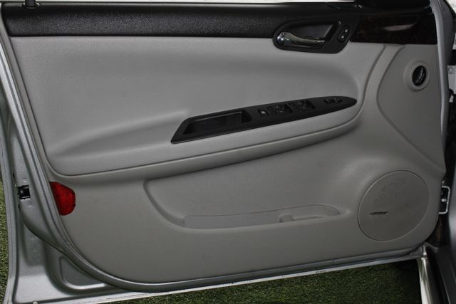2012 Chevrolet Impala LTZ FWD - BRAND NEW TIRES! Mooresville , NC 30