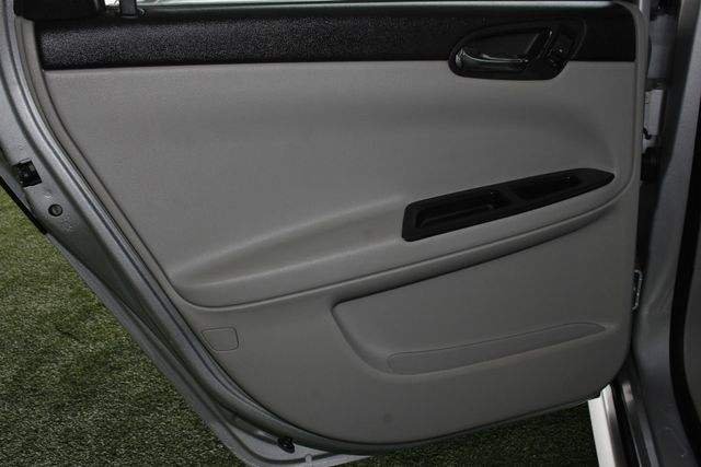 2012 Chevrolet Impala LTZ FWD - BRAND NEW TIRES! Mooresville , NC 32