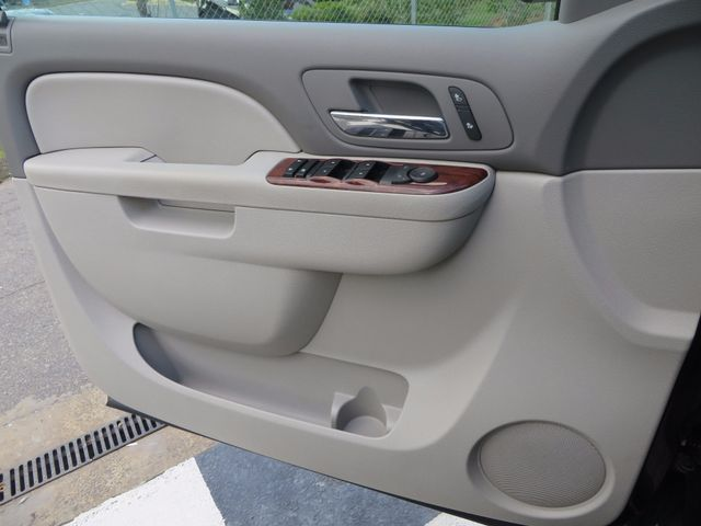 2012 Chevrolet Suburban LT Charlotte-Matthews, North Carolina 36