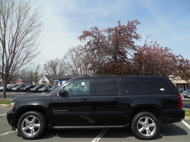 2012 Chevrolet Suburban LTZ 3RD ROW SEAT 4X4 Leesburg, Virginia 5