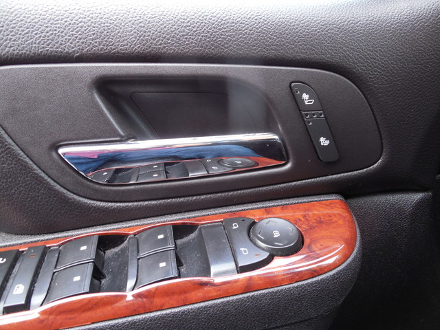 2012 Chevrolet Suburban LTZ 3RD ROW SEAT 4X4 Leesburg, Virginia 18