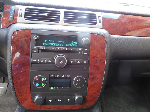 2012 Chevrolet Suburban LTZ 3RD ROW SEAT 4X4 Leesburg, Virginia 23