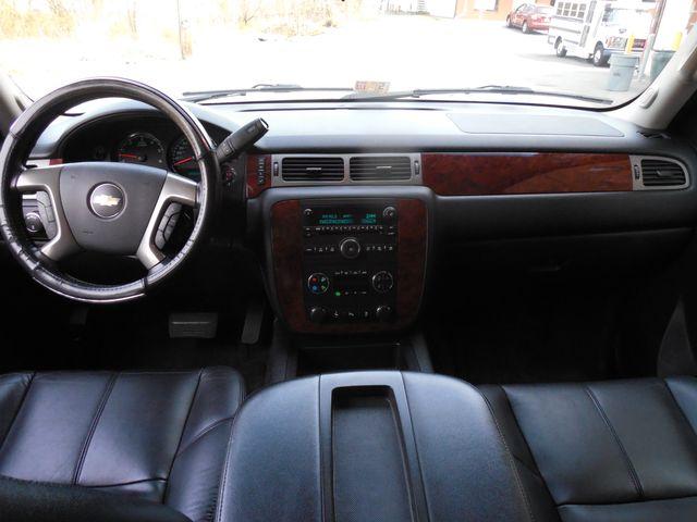 2012 Chevrolet Suburban LTZ 3RD ROW SEAT 4X4 Leesburg, Virginia 13