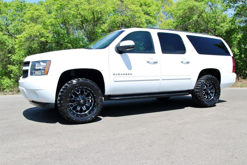 2012 Chevrolet Suburban LT - 4x4 - LOADED - LIFTED