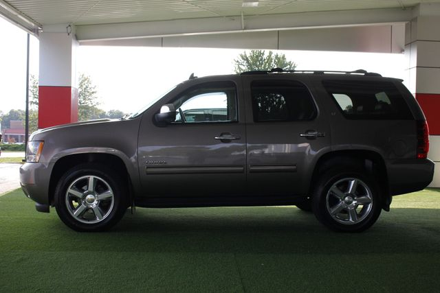 2012 Chevrolet Tahoe LT 4WD - SUNROOF - HEATED LEATHER! Mooresville , NC 15