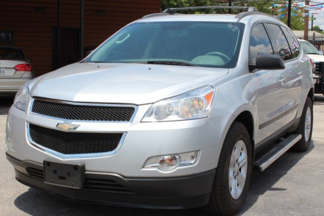 2012 Chevrolet Traverse LS San Antonio , Texas 3