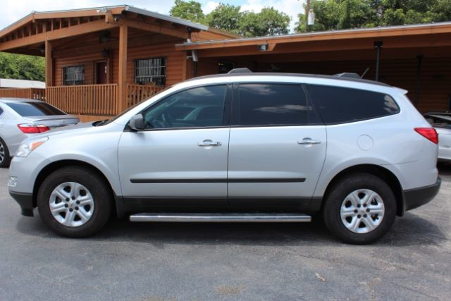 2012 Chevrolet Traverse LS San Antonio , Texas 5