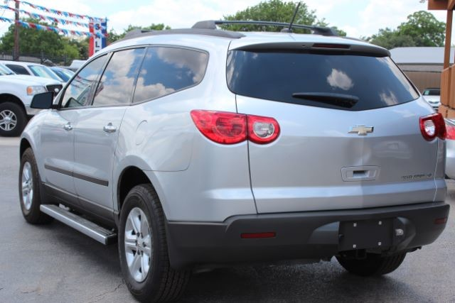 2012 Chevrolet Traverse LS San Antonio , Texas 6