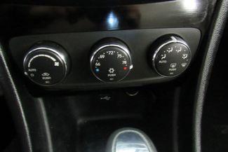 2012 Chrysler 200 Limited W/ NAVIGATION SYSTEM Chicago, Illinois 26