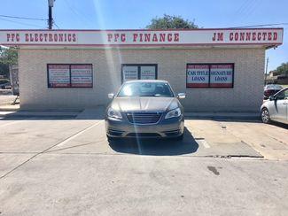 2012 Chrysler 200 Limited Devine, Texas 3