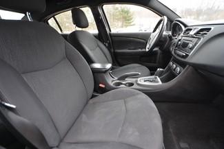 2012 Chrysler 200 Touring Naugatuck, Connecticut 8
