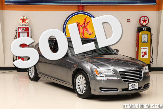 2012 Chrysler 300 This Carfax 1-Owner accident-free 2012 Chrysler 300 is in great shape with only