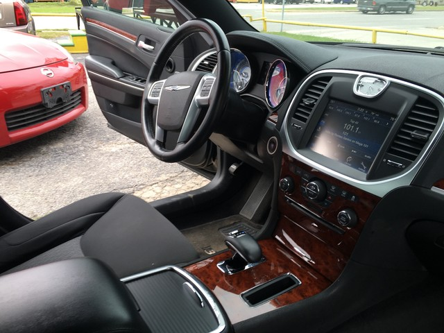 2012 Chrysler 300 TOURING Houston, TX 5