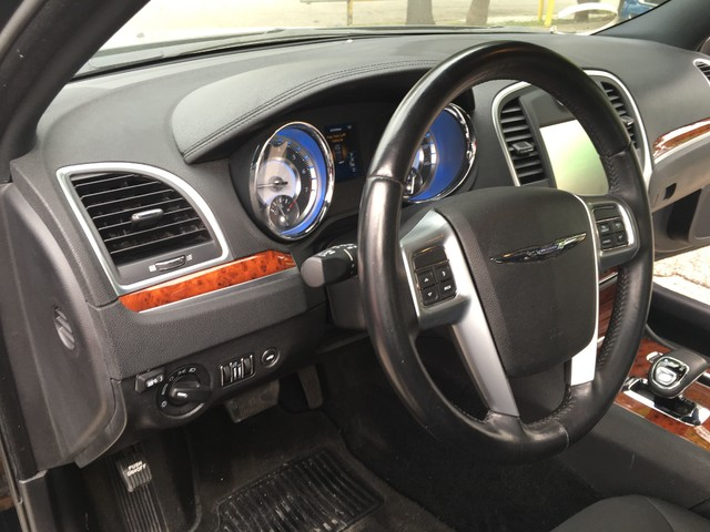 2012 Chrysler 300 TOURING Houston, TX 11