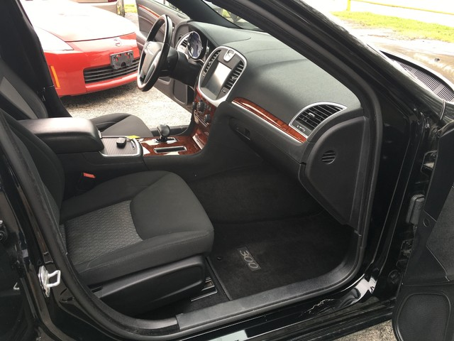 2012 Chrysler 300 TOURING Houston, TX 14