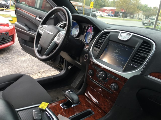 2012 Chrysler 300 TOURING Houston, TX 15