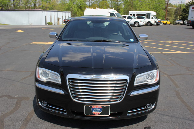 2012 Chrysler 300 Limited Mooresville , NC 1