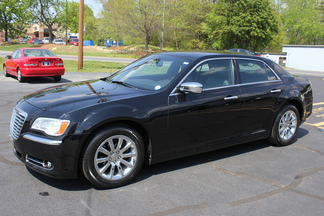 2012 Chrysler 300 Limited Mooresville , NC 2
