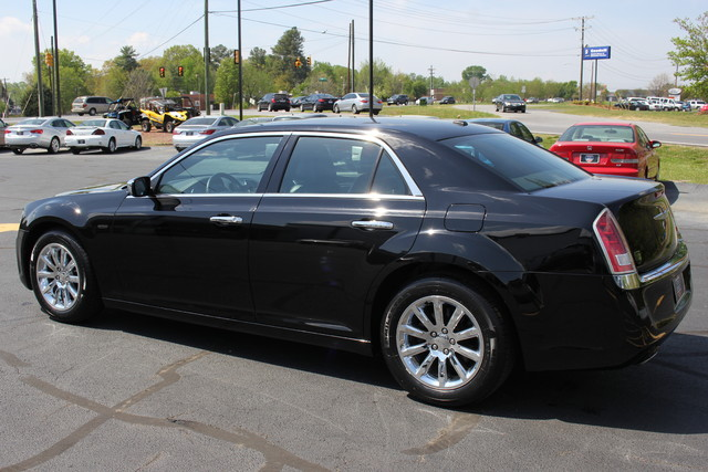 2012 Chrysler 300 Limited Mooresville , NC 4