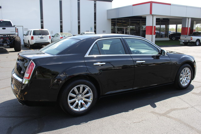 2012 Chrysler 300 Limited Mooresville , NC 7