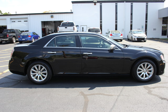 2012 Chrysler 300 Limited Mooresville , NC 8