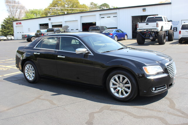 2012 Chrysler 300 Limited Mooresville , NC 9