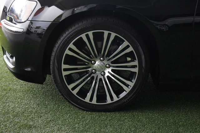 2012 Chrysler 300 300S RWD - SAFETYTEC - HEMI V8! Mooresville , NC 19