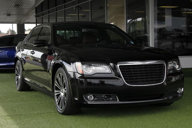 2012 Chrysler 300 300S RWD - SAFETYTEC - HEMI V8! Mooresville , NC 24