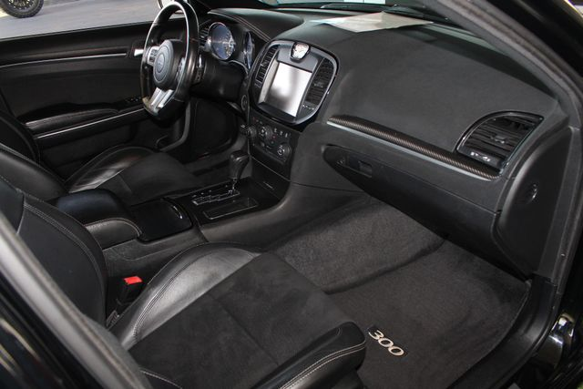 2012 Chrysler 300 SRT8 RWD - SAFETYTEC - NAV - PANO SUNROOFS! Mooresville , NC 37
