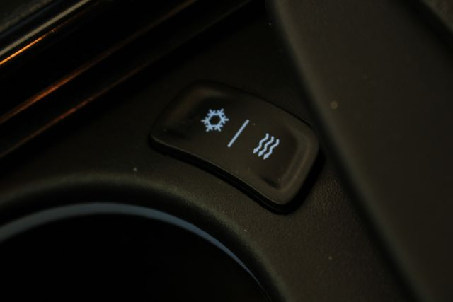 2012 Chrysler 300 SRT8 RWD - SAFETYTEC - NAV - PANO SUNROOFS! Mooresville , NC 44