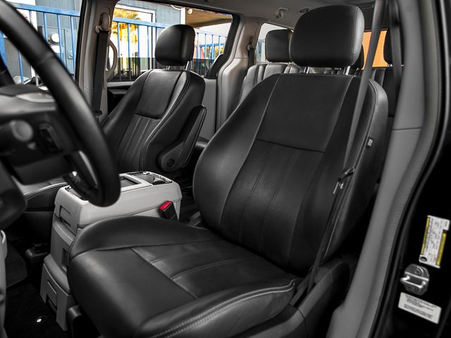 2012 Chrysler Town & Country Touring Burbank, CA 11