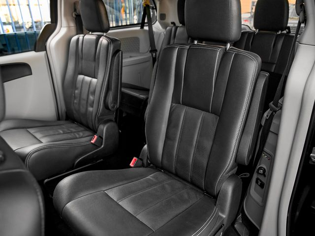 2012 Chrysler Town & Country Touring Burbank, CA 12