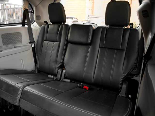 2012 Chrysler Town & Country Touring Burbank, CA 16