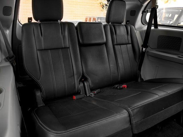 2012 Chrysler Town & Country Touring Burbank, CA 26