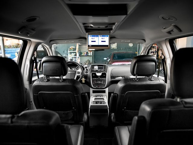 2012 Chrysler Town & Country Touring Burbank, CA 28