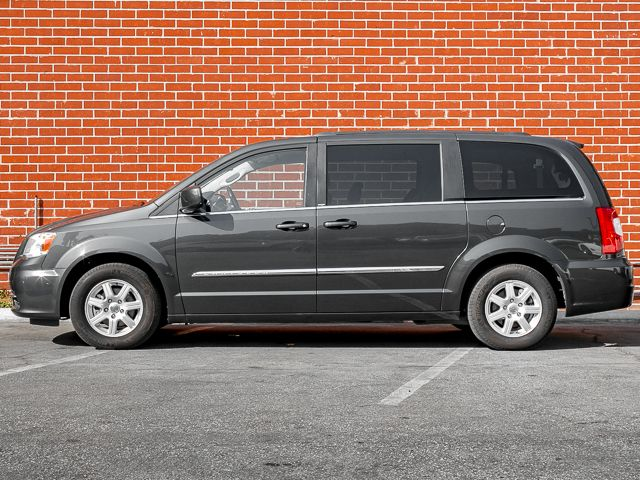 2012 Chrysler Town & Country Touring Burbank, CA 5