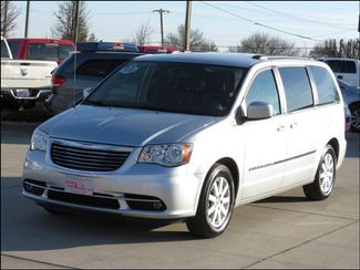 2012 Chrysler Town & Country Touring Leather/DVD/Entertainment in  Iowa