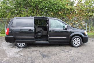 2012 Chrysler Town & Country Touring-L Hollywood, Florida 23