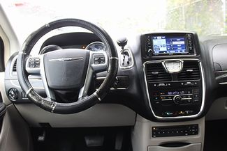 2012 Chrysler Town & Country Touring-L Hollywood, Florida 17