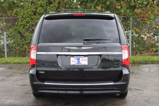 2012 Chrysler Town & Country Touring-L Hollywood, Florida 5